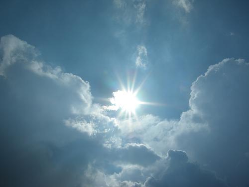 photo credit: Soleil dans les nuages via photopin (license)