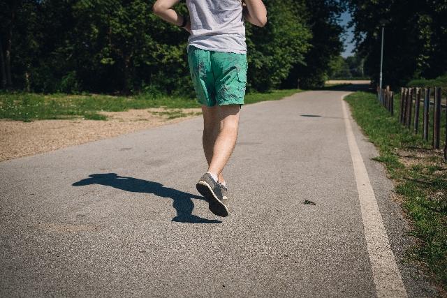 ジョギング p